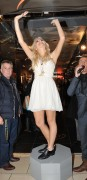 Nov 20, 2010 - Pixie Lott - Switching on Xmas Lights - Lakeside Shopping Centre in Essex E57a44108405132