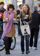 Nov 26, 2010 - Elizabeth Berkley - The Urth Cafe in Beverly Hills Bfa3f9108483173