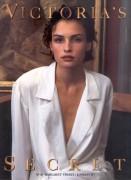 Photos of Past Bond Girls A033f3116580398