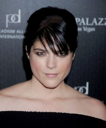*adds*Selma Blair @ 2011 Hollywood Style Awards in Hollywood November 13, 2011 HQ x 3