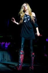 Аврил Лавин, фото 13830. Avril Lavigne Q102 Jingle Ball 2011 in Philadelphia (7.12.2011), foto 13830