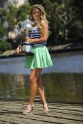Виктория Азаренко, фото 212. Victoria Azarenka Posing with the Australian Open Trophy along the Yarra River in Melbourne - 29.01.2012, foto 212