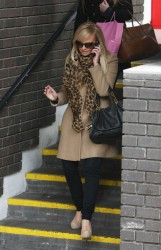 Эмма Бантон, фото 2269. Jan. 23th - London - Emma Bunton Leaving ITV Studios, foto 2269