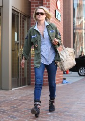 Али Лартер, фото 2624. Ali Larter - O&A shopping in Beverly Hills - (03/07/12), foto 2624