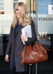 Holly Willoughby Leaving the Riverside Studios in London 11th April x10