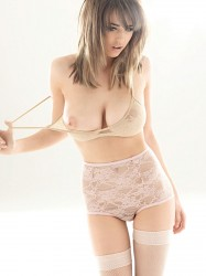5718ef191493150 Danielle Sharp
