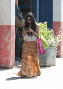Vanessa Anne Hudgens | Shopping in Malibu x44HQ