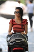 Kourtney Kardashian Out With Her Baby