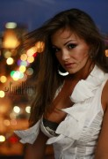 http://thumbnails29.imagebam.com/9099/51658390982008.jpg
